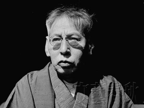 門下から多数の芥川賞・直木賞作家を輩出した佐藤春夫