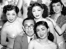 永井荷風の文化勲章を祝った踊り子たち