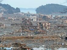 東北地方太平洋沖地震 それでも人は生きねばならぬ